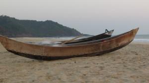 apsara konda beach in honnavar - travellers diary
