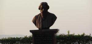 rabindranath-tagore-statue-e1