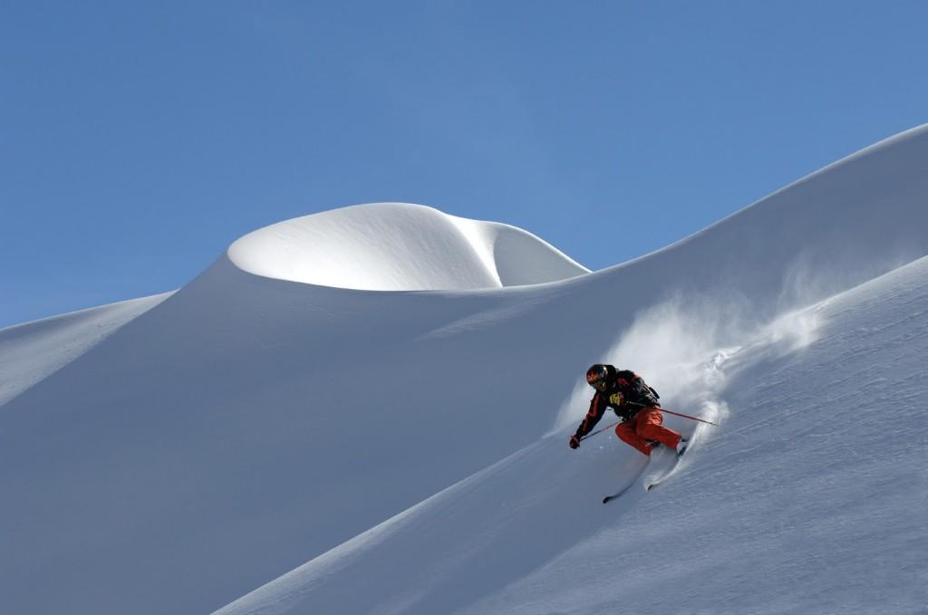 Heli Skiing in Rohtang Pass, Himalaya