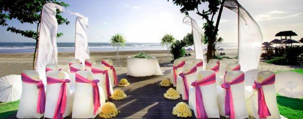 14-Anantara-Seminyak-Resort-in-Bali-600x236