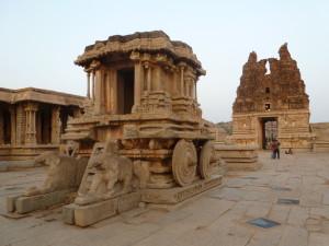 Vittala_temple_charriot_and_gopuram,_Hampi